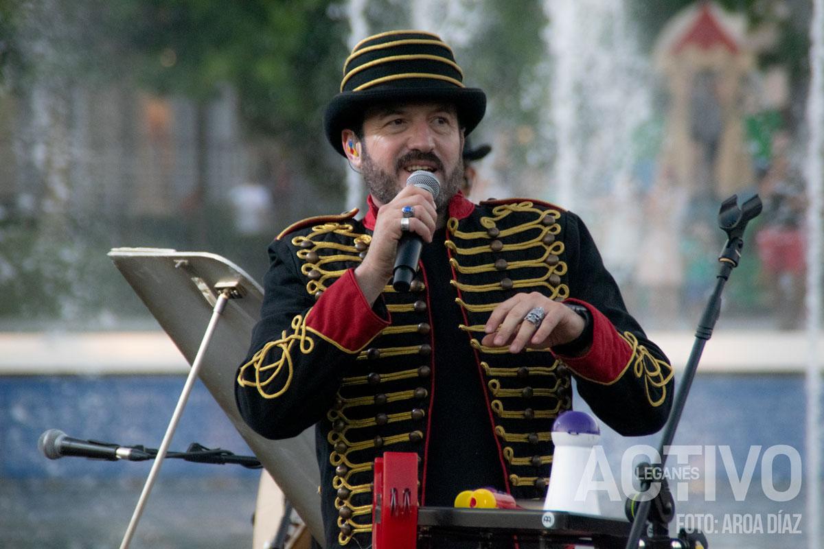 Álex O´Dogherty durante su concierto con La Bizarrería. Foto: Aroa Díaz