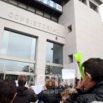 protestas ante el ayuntamiento